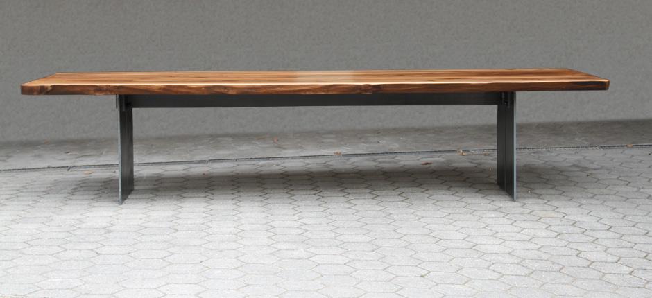 Nusstisch-Kontur-940x430