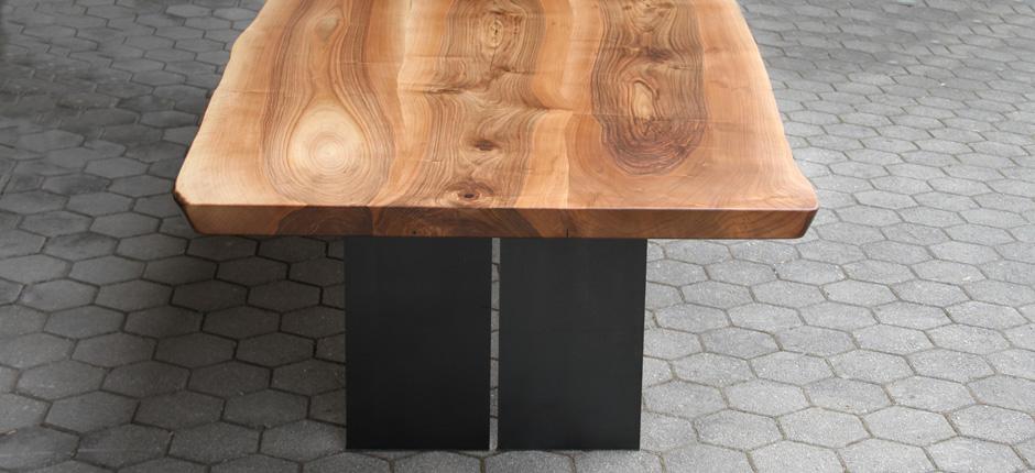 Nusstisch-Kopfseite-940x430